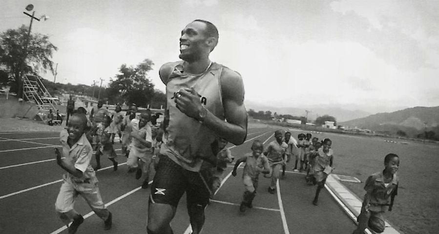 Usain Bolt Bolt Running With Kids