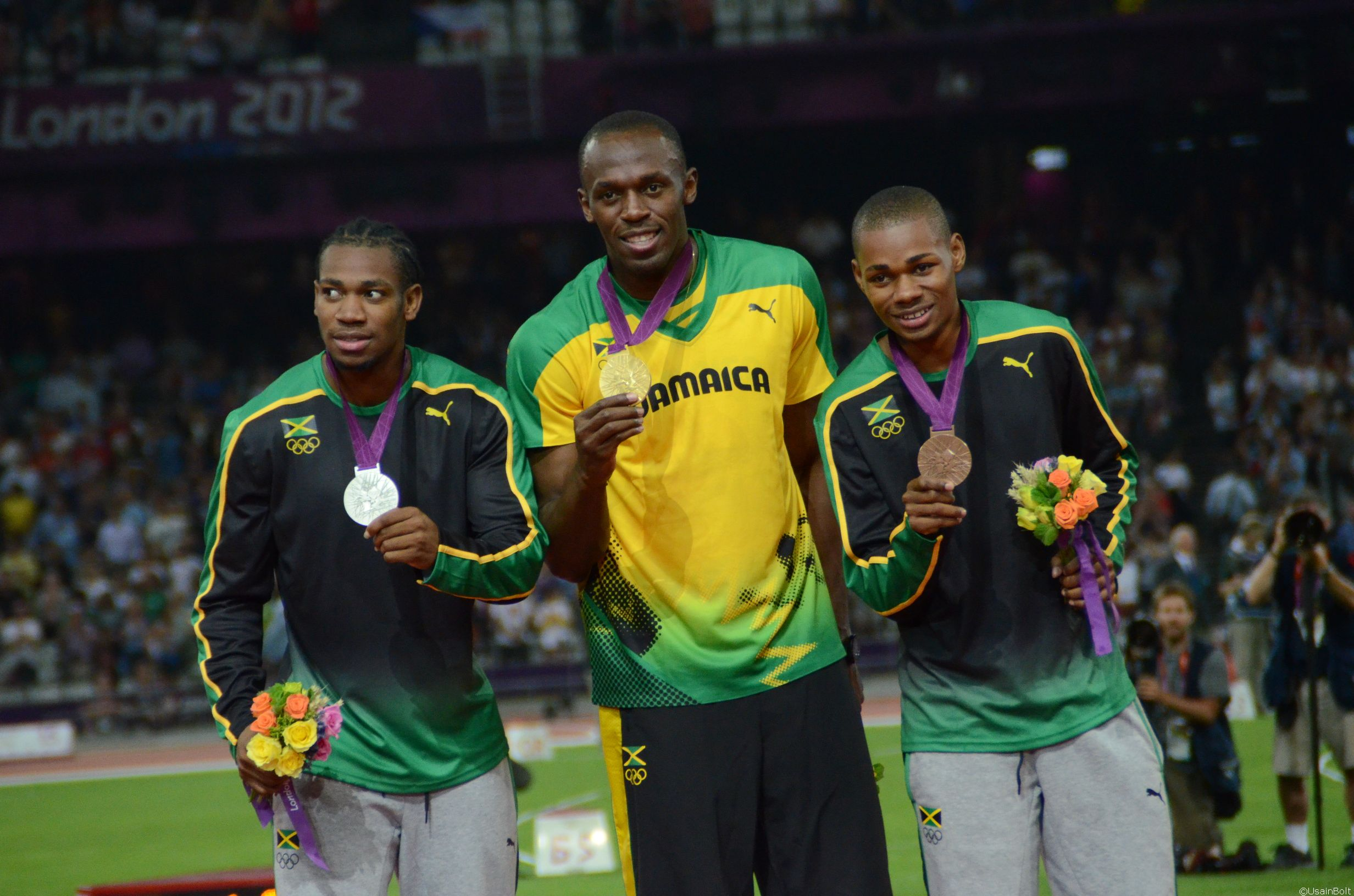 Bolt leads Jamaica's sweep of the Olympic Games 200 metres
