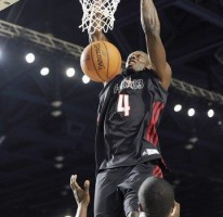 Watch Usain dunk at the NBA Celebrity All-Star game